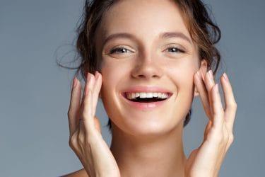 Toepassen van vitamine E in huidverzorging.
