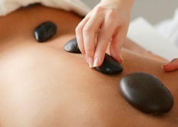 Wat kun je verwachten van de cursus hot stone massage van Wellness Academie?